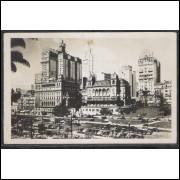 SP07 - Cartão postal antigo, São Paulo, Vista parcial, carros.
