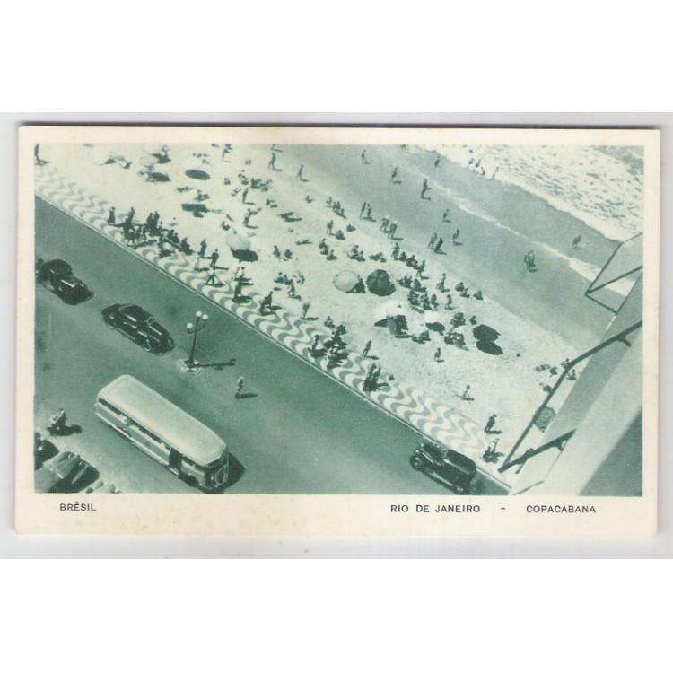 RJ49 - Cartão postal antigo, Praia de Copacabana, carros, ônibus,Rio de Janeiro.Lito-tipo Guanabara.