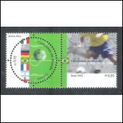 2002 - C-2449-50 - Campeões do Mundo. Futebol. Primeiro selo brasileiro circular.