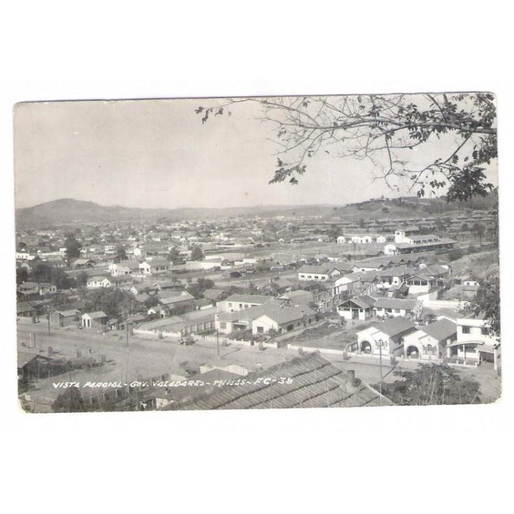 gv03 - Foto Postal antiga-Governador Valadares, Vista parcial.