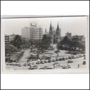 ctb37 - Foto postal ColonVist, 77 - Curitiba - Praça Tiradentes. Carros.