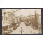 Foto Postal, anos 50, Maceió, Rua do Comércio, bondes e carros