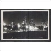 SP18 - Cartão postal antigo, 6 - São Paulo. Panorama à noite - Foto Postal Colombo.