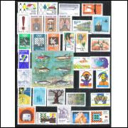 1976 - Coleção dos 49 Selos Comemorativos + 2 blocos, novos.