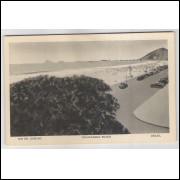 RJ48 - Cartão postal antigo, Praia de Copacabana, carros, Rio de Janeiro. Lito-tipo Guanabara.