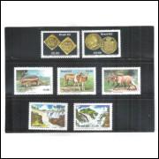 Cartelas com três tiras, para organizar os selos. Pacote com 10 unidades.