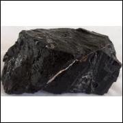 Turmalina preta. pedra bruta natural, qualidade extra.