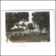to10 - Cartão postal antigo, 1956, Teófilo Otoni, Jardim Municipal. Stúdio Foto Ideal Caratinga.