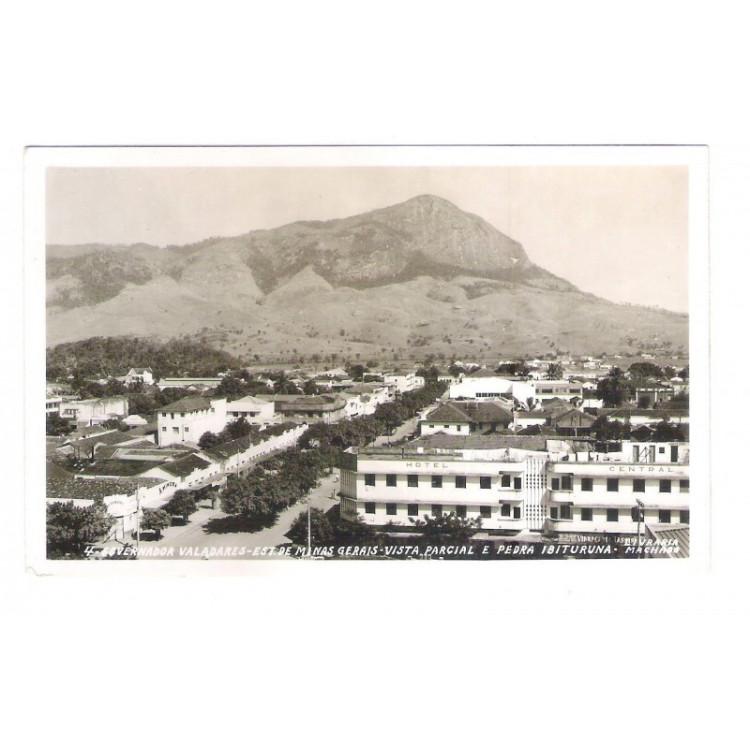 gv01 - Foto Postal Colombo, Governador Valadares, Pedra Ibiturana. Hotel Central. Livraria Machado.