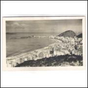 RJ131 - Foto Postal antiga, Rio de Janeiro, Praia de Copacabana.