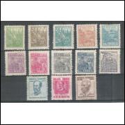 1941 - 412/424 -  Série Netinha, com traços no verso, nova com goma.